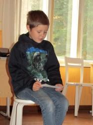 Kaarel luges Henno Käo raamatut