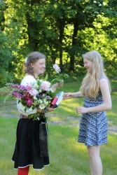 Emma õnnitleb